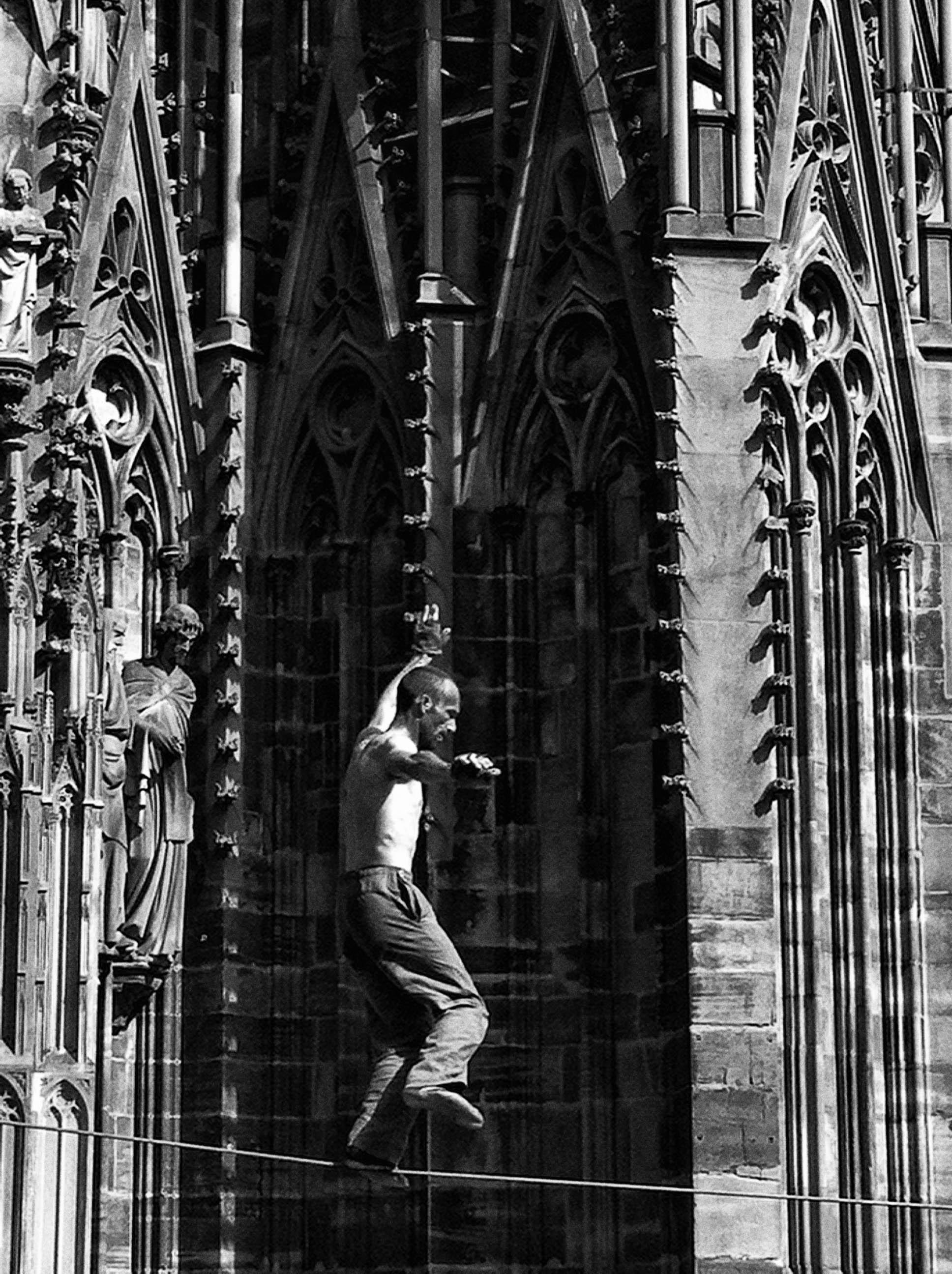 millénaire cathédrale de strasbourg, le funambule