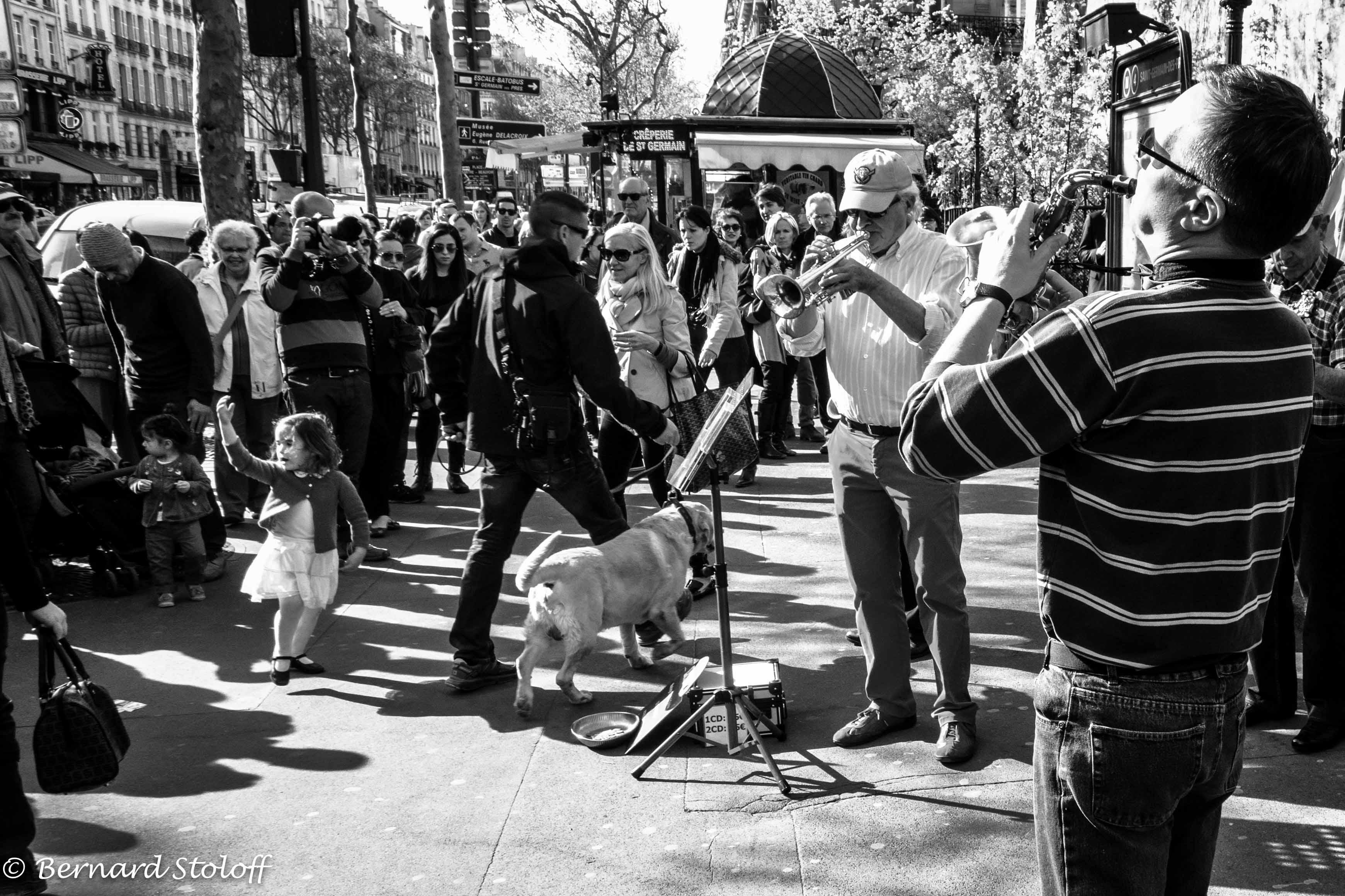 PHOTOGRAPHIER PARIS SAINT GERMAIN DES PRES, LE JAZZ ET LA PETITE DANSEUSE