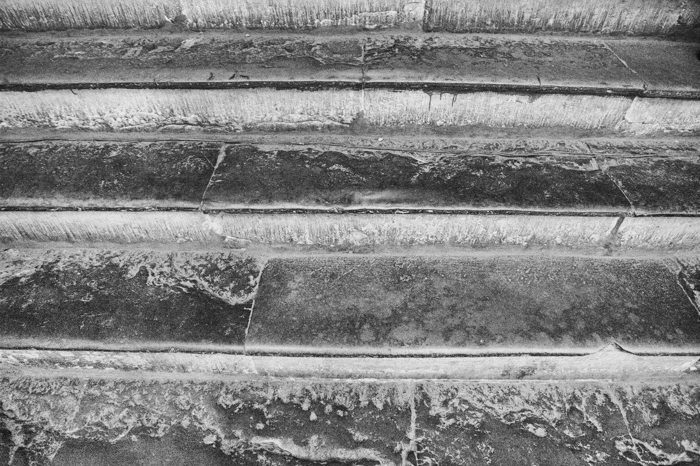 PHOTOGRAPHIER FLORENCE, LES MARCHES SECUALIRE DE L'EGLISE SANTA CROCE, FLORNECE