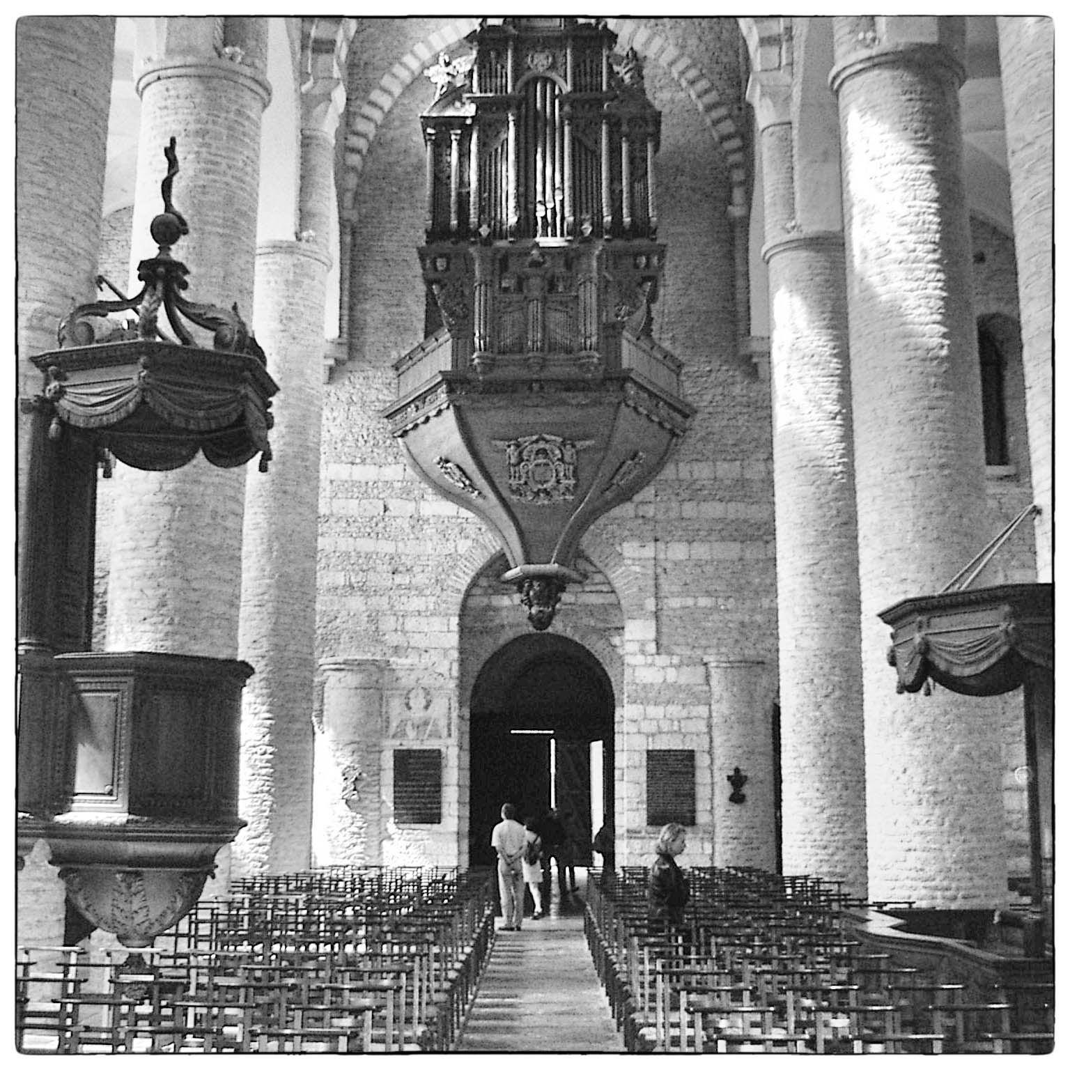 PHOTOGRAPHIER LA BASILIQUE DE TOURNUS