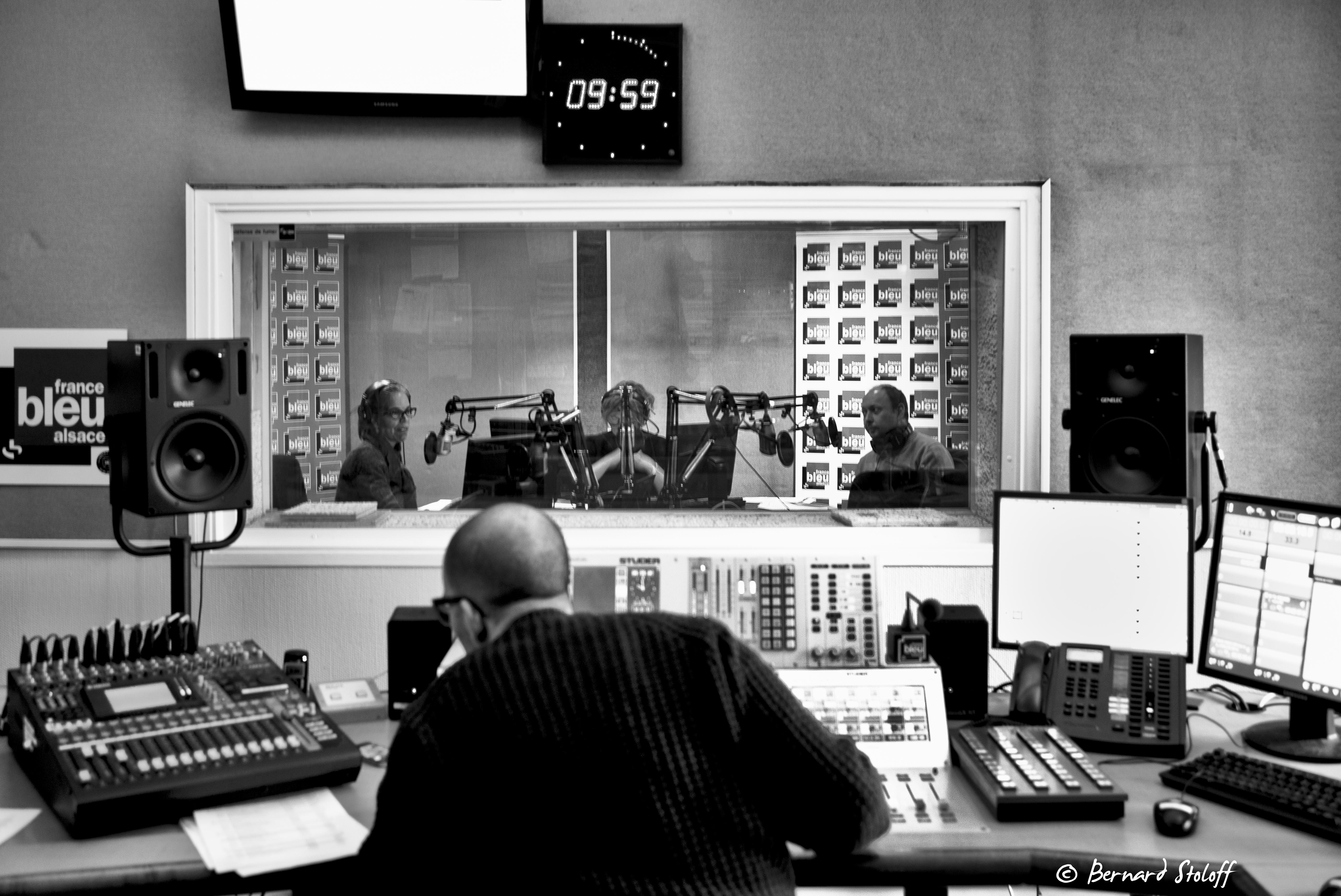 RADIO FRACE BLEU ALSACE-ON THE AIRE